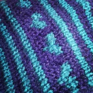 Wonder-Gran's heart motif on gloves (Copyright Corrie B)