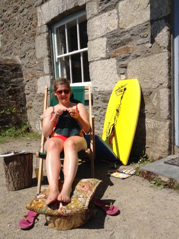 Knitting in the sunshine!