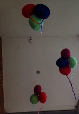 Floating yarn balloons <3