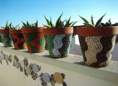 And more pots. Wouldn't this make your home feel a bit more tropical?!