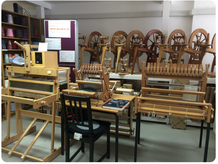 An army of spinning wheels - these are used in the lessons.
