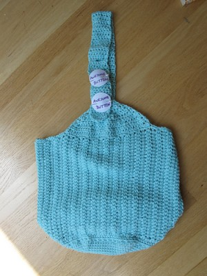 A beautiful Farmers Market Bag with awesome buttons! Image copyright PixieishBlonde 2014.