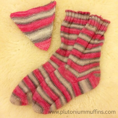 A comparison of the bunting, machine washed, and the socks, hand-washed.