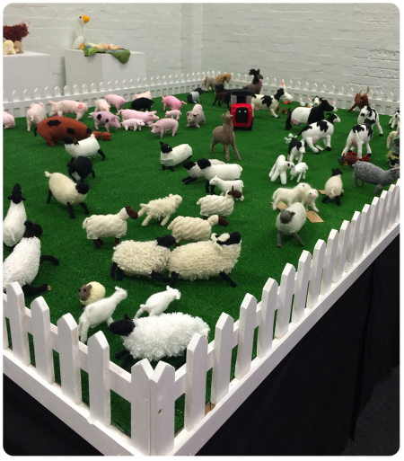 The knitted farm in all of it's glory.
