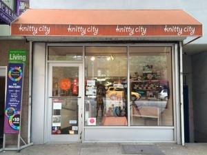 Knitty City from the outside.