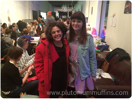 Louise and Anna of Wild and Woolly - two knitting celebs in my presence, so honoured!