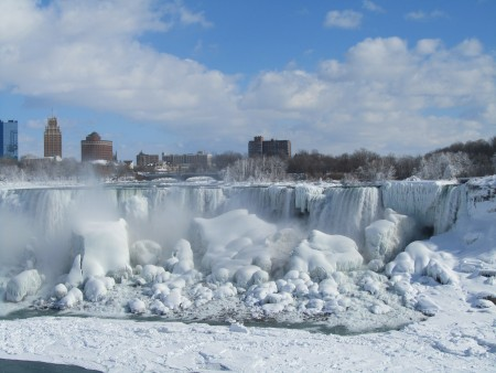 Niagara Falls frozen - one of the hot topics of research for this week (from LuckyPenny.com).