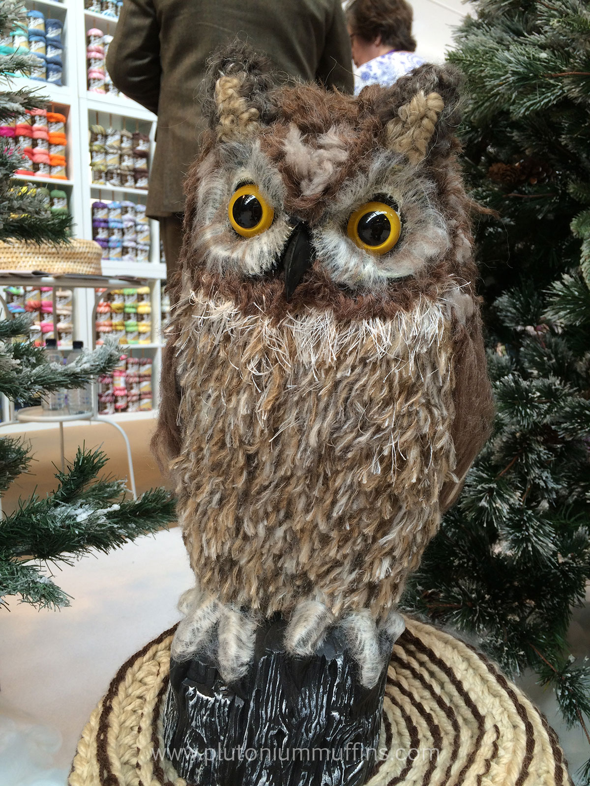 The second owl on the Yarnia stand.