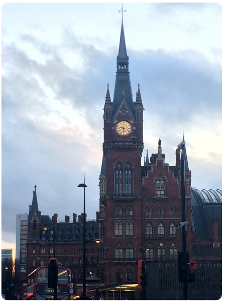 St Pancras as I left to get the bus home. Wonderful area!