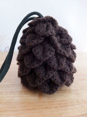 Dragon egg dice bag, image copyright Vlinerrr 2014.
