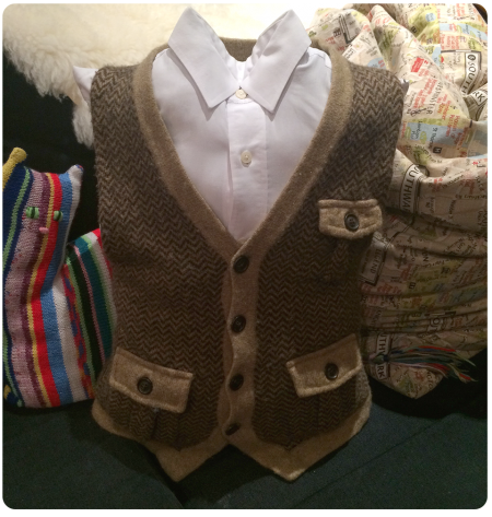 A waistcoat pillow from the front.