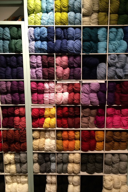 A hypnotising wall of yarn! Pristine.
